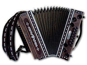 Steirische Harmonika mit Zinnstift-Arbeiten