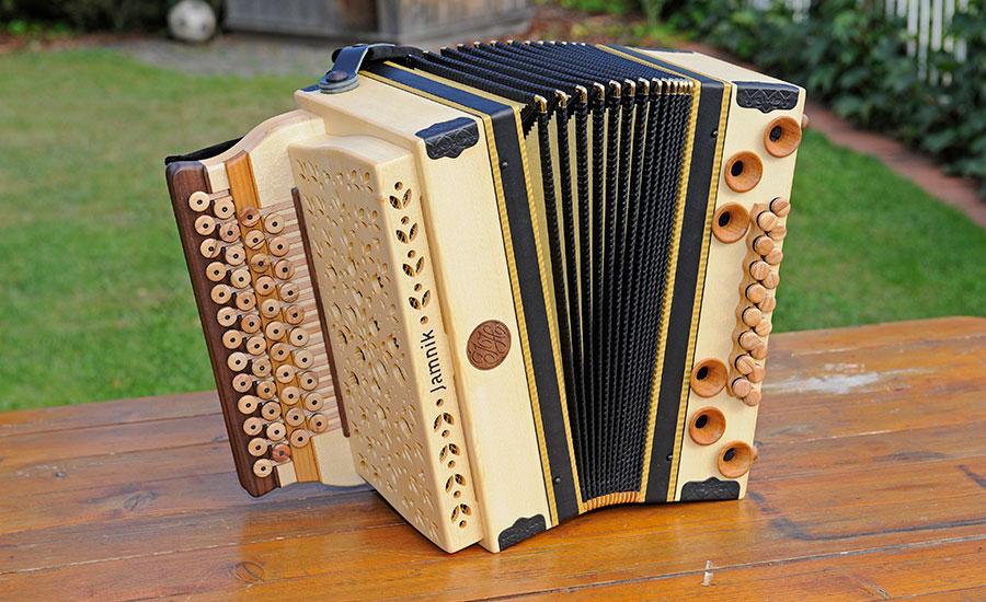 Harmonika Classic-Modell von vorne