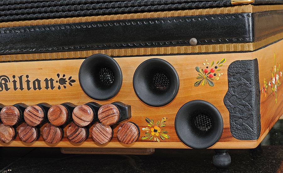 Steirische Harmonika Apfel Basstrichter