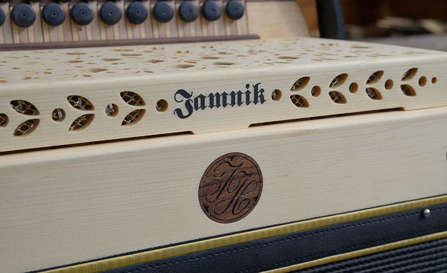Steirische Harmonika Haselfichte Dekor