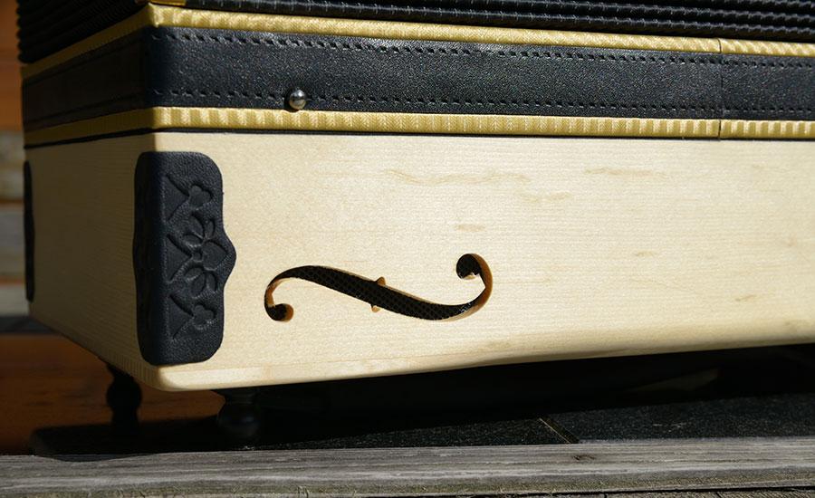 Steirische Harmonika Haselfichte Rückseite