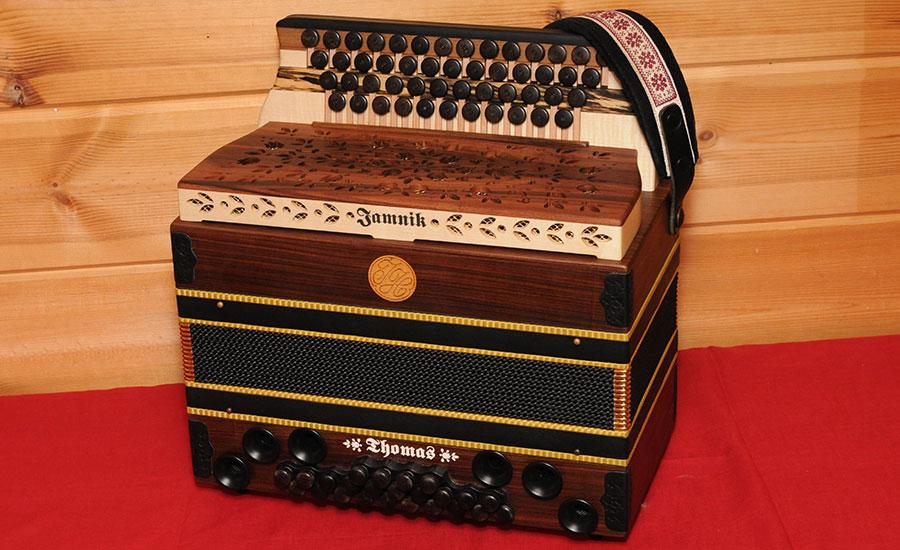Steirische Harmonika Königsholz von vorne