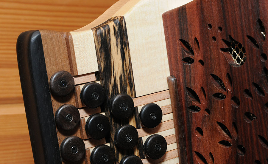 Steirische Harmonika Königsholz Diskantseite