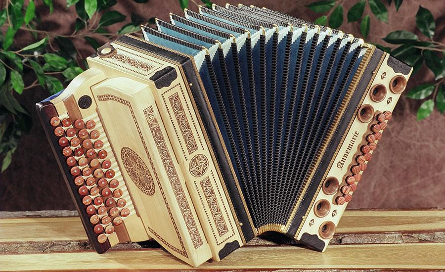 Steirische Harmonika Großer Lebensbaum von vorne
