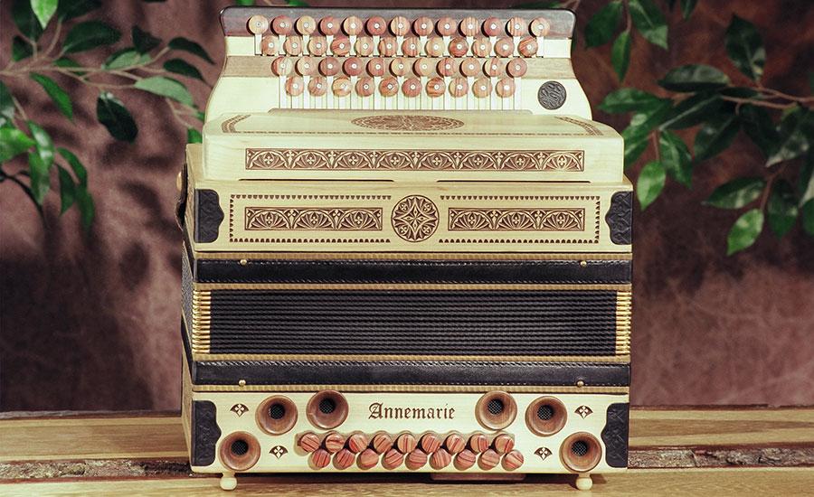 Steirische Harmonika Großer Lebensbaum Vorderansicht