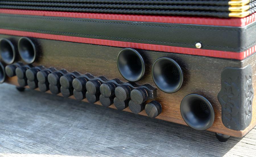 Steirische Harmonika Mooreiche Bassseite