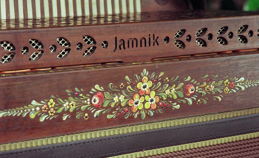 Jamnik Harmonika Walnuss Bauernmalerei