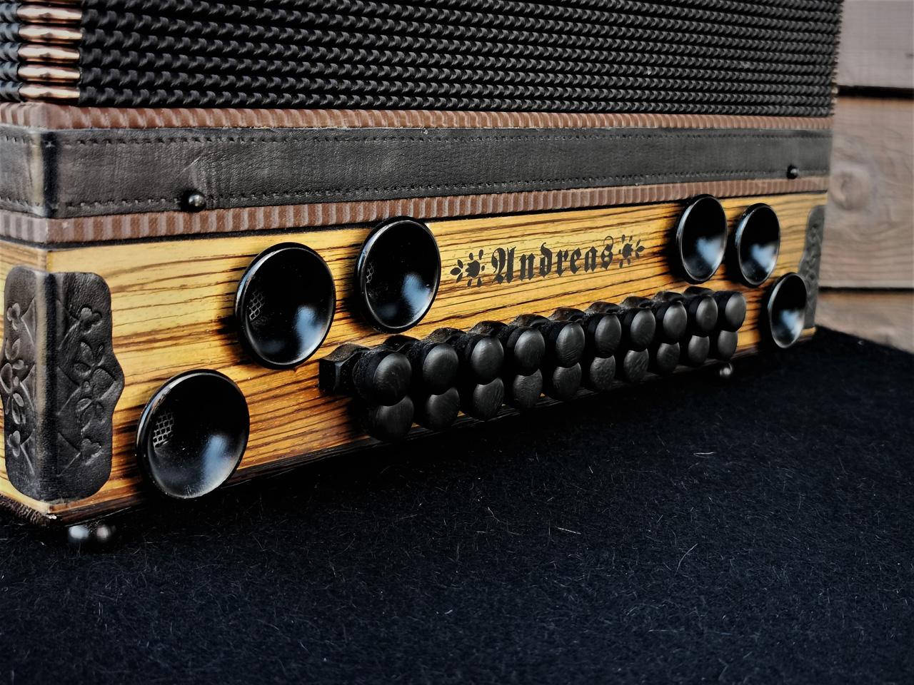 Steirische Harmonika aus Zebrano