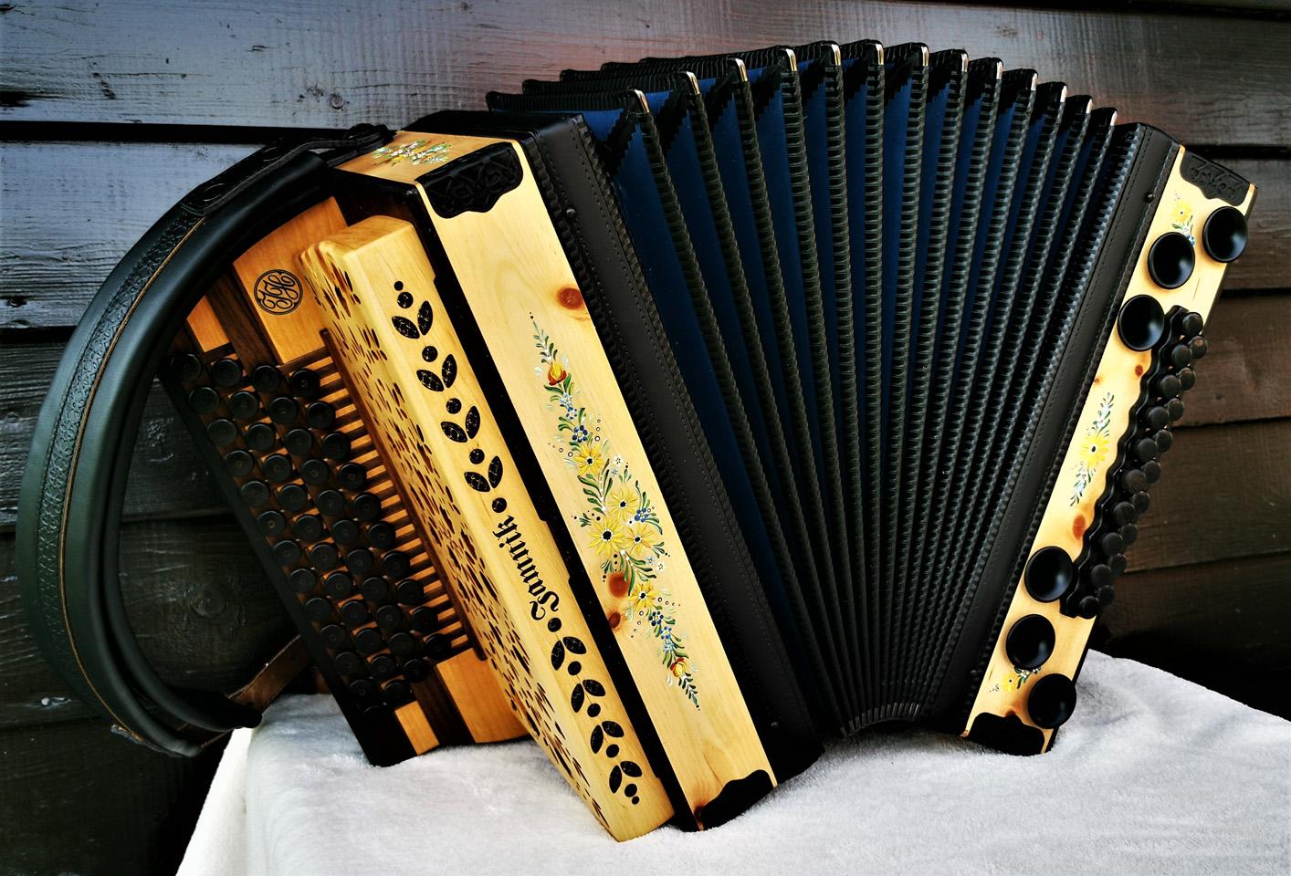 Steirische Harmonika mit Bauernmalerei