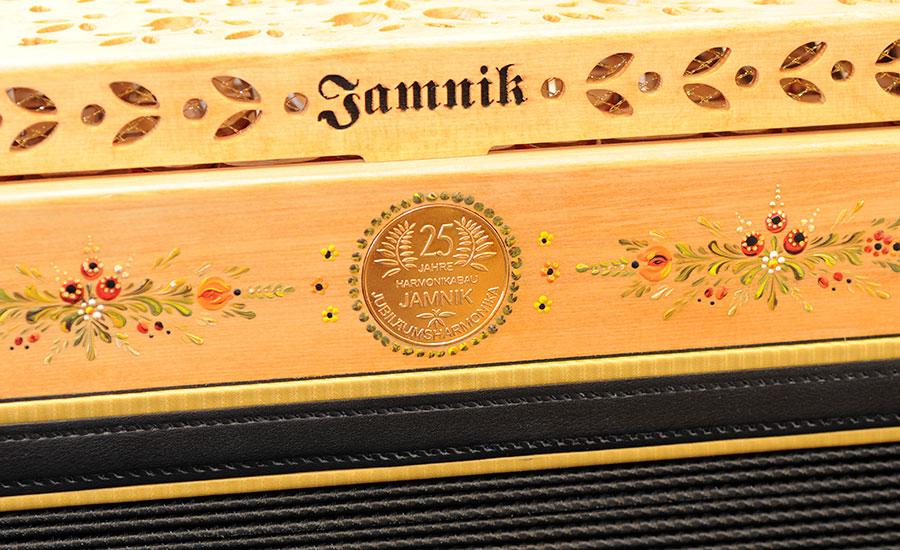 Jubiläumsharmonika mit Bauernmalerei Dekor