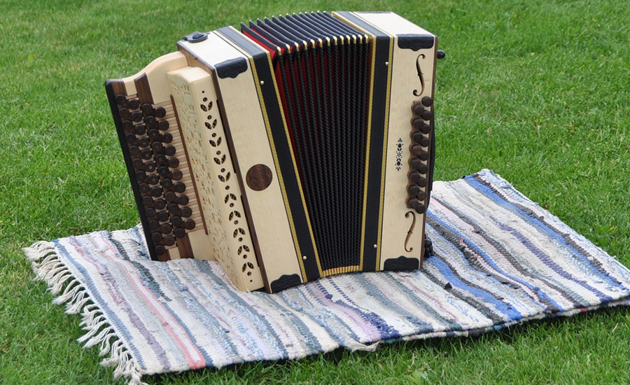 Harmonika mit Schalllöcher von vorne