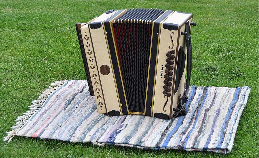 Harmonika mit Schalllöcher Vorderansicht
